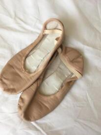 Ballet shoes size 3/36