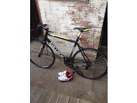 Carrera Road race bike
