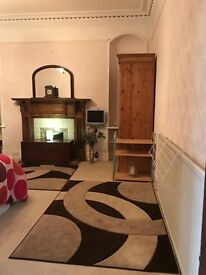 Large double room for rent city centre