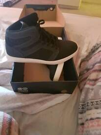 Cross hatch trainers size 9 brand new