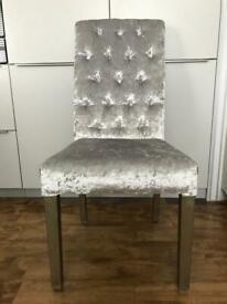 Dinning chairs x 4