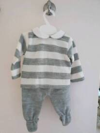 spanish style knitwear grey and white pramoutfit