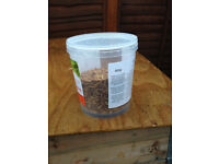 10 x plastic storage pots with lids