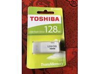 massive 128GB USB Toshiba flash drive data cable