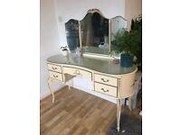 Beautiful Vintage Vanity Dressing Table!