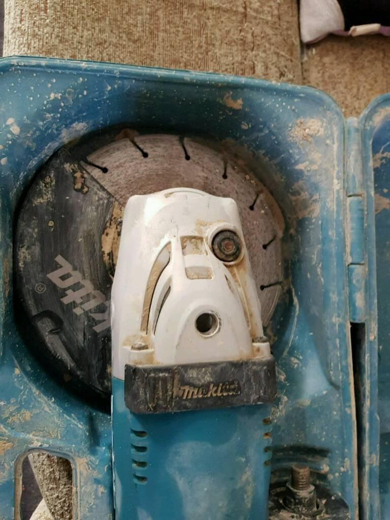Makita 110v 9inch angle grinder ***new price***