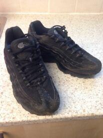 Nike air trainers 5 1/2