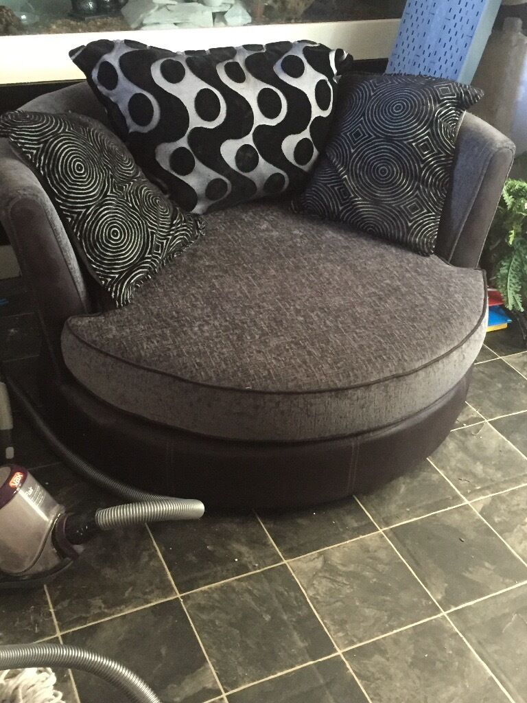 Cuddle chair black and grey great condition