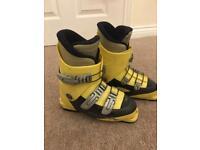 Kids ski boot