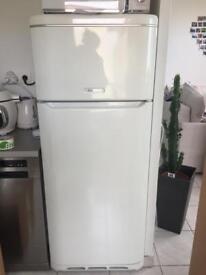 Fridge freezer ariston