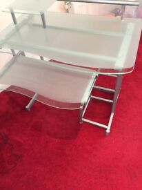 Very smart computer table suitable for home or office
