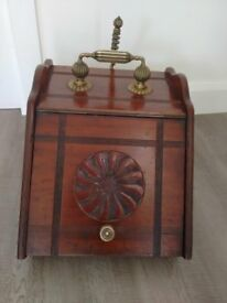 Victorian Mahogany Coal Scuttle with Brass Pan