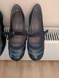 UK Size 5 - £ 10 each - Very good quality shoes with comfy internal padding on sale. Heel 2.5 inches