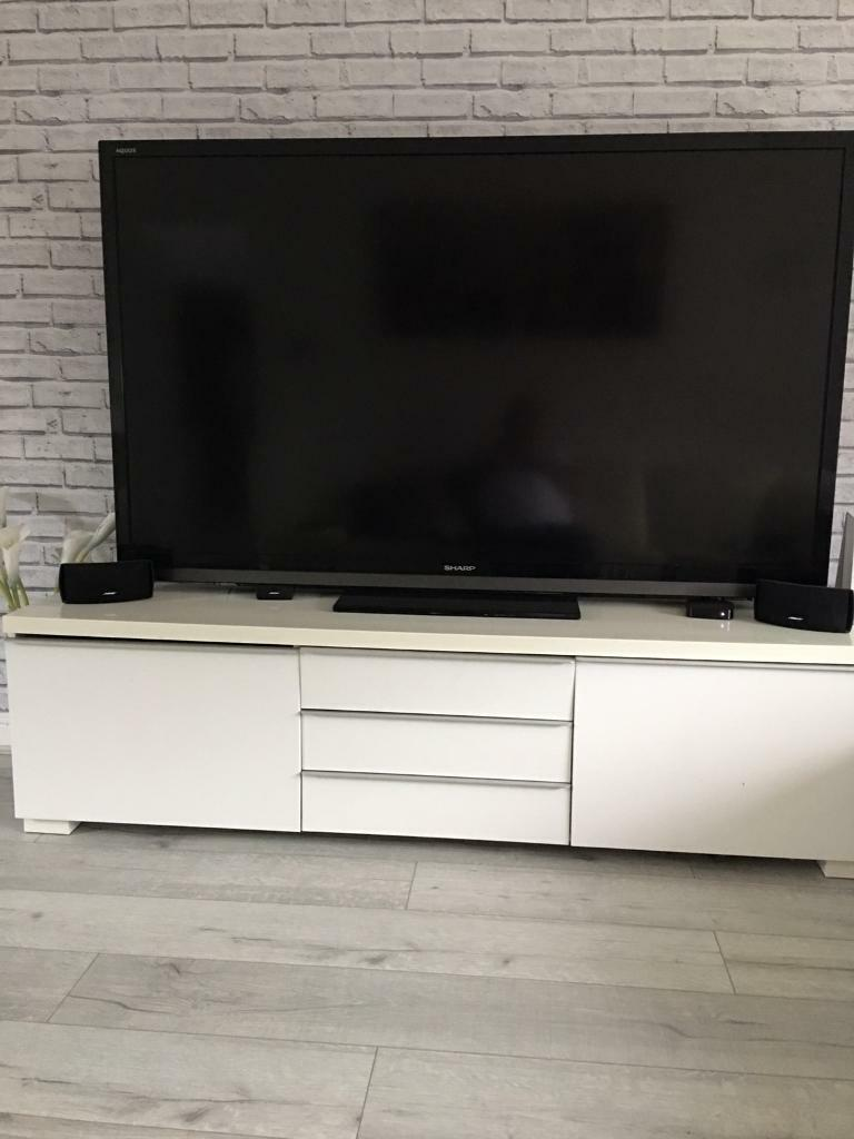 Ikea to cabinetin Wallsend, Tyne and WearGumtree - Ikea off white tv cabinet , was bought for £300 great for storage and as you can see big enough to put 70inch tv on , good condition