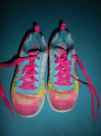Girls Skechers Memory Foam Trainers Size 11 IP1