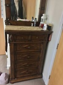 2 bedside tables & chest of drawers