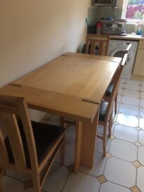 EX CONDITION ASH DINING TABLE 6 MATCHING CHAIRS