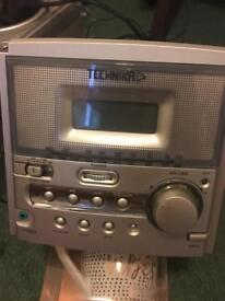 Technicka stereo and speakers