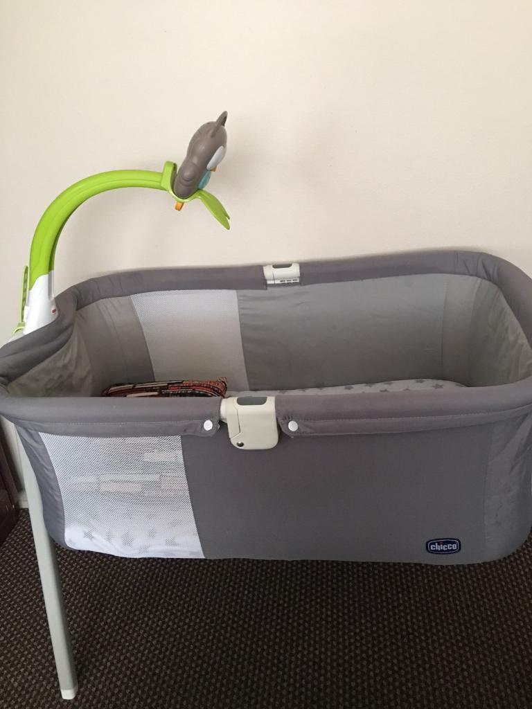 Chicco Lullago Portable Bassinet Crib In Luton Bedfordshire Gumtree