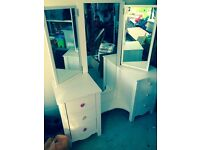 White dressing table mirror unit with drawers