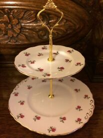 two-tiered cake stand