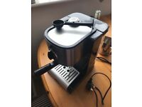 Coffee machine, only used twice! Comes with grinder too