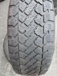 4 PNEUS HIVER - GOODYEAR/SNOWTRAKKER 205 55 16 - 4 WINTER TIRES