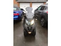Piaggio Mp3 3 wheeler 500cc lt sport (ride on car licence)