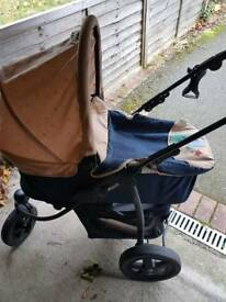 Hauck Winnie the pooh pram and car seat