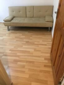 One large double room to let in manor park, Romford road.