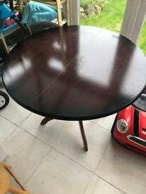 Extendable Round Kitchen Dinning room table