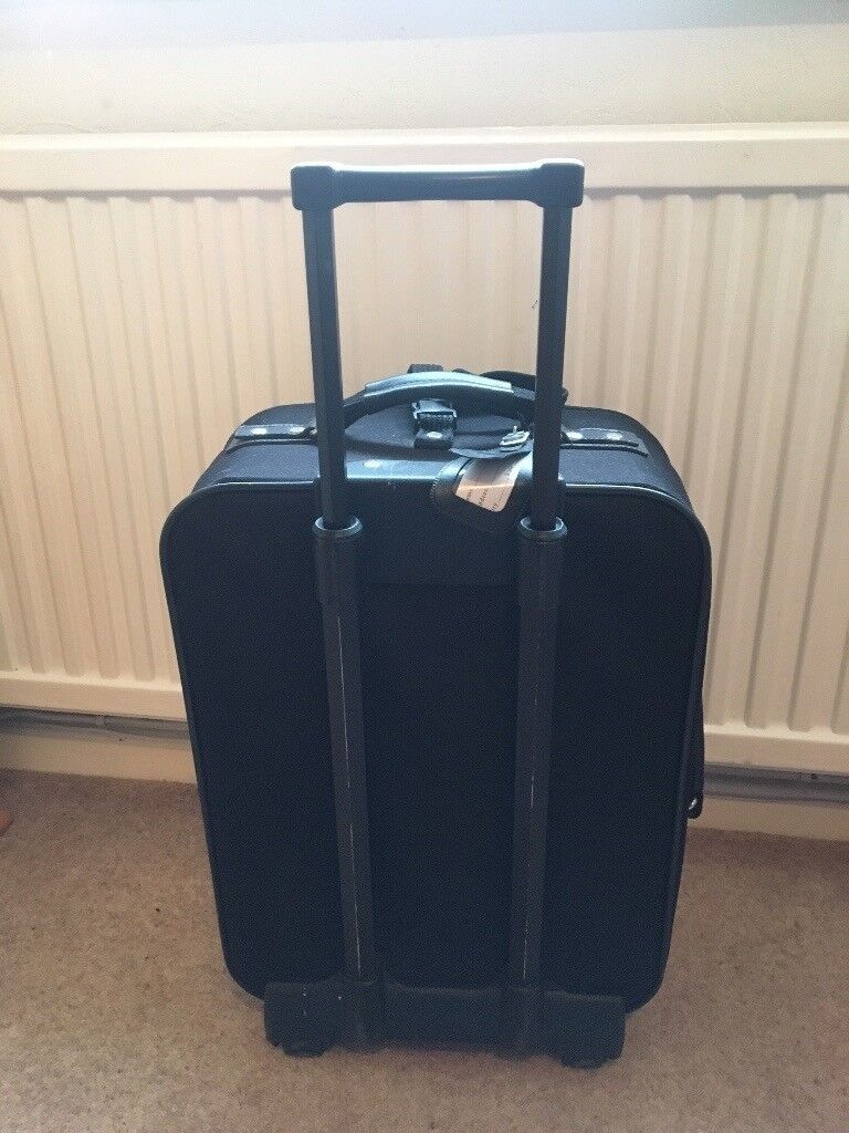Small black suitcase 2 wheels used