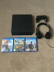 PS4 Slim 500GB + 3 games/headset