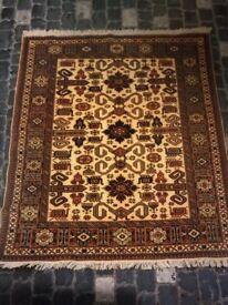 Handmade 100% woolen rug/carpet with cert