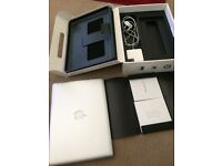 Macbook Unibody Late 2008 2 GHz, BOXED, VERY GOOD CONDITION