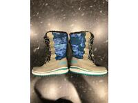 Outdoor all weather boots child size 13 (age 4-6)