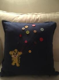 Cushion cover (optional inner pad)