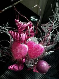 GORGEOUS VASE WITH PINK AND SILVER DISPLAY