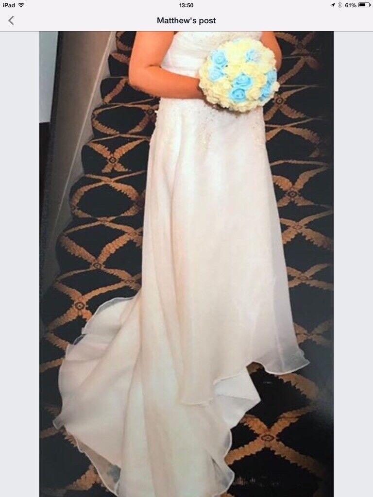 Bardot style wedding dress size 14/16 £200 o.n.o