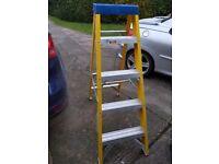 5 tread fibreglass electricians heavy duty steps