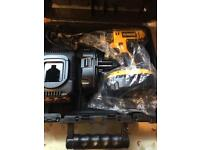 Dewalt cordless drill (DC725)