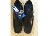 New Boys Black Leather Shoes - Size 7 (40.5)