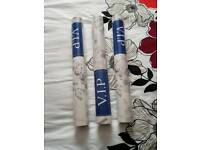 3 rolls of wallpaper