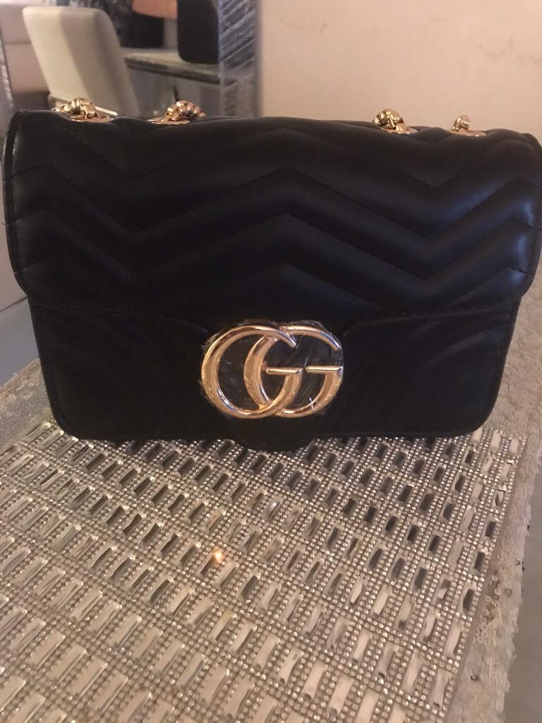 Women s GG Marmont Handbag Shoulder Bag Black Gold UK GG CC LV BNWT c0dac8ab11ce7