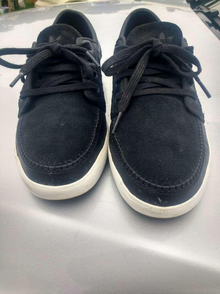 adidas trainers size 42