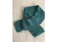 Super chunky oversize hand knitted scarf fir colour