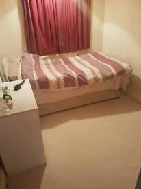 SINGLE ROOM for Female preferred all bills included
