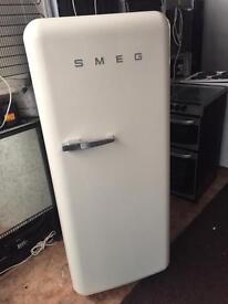 SMEG creamy good looking frost free A-class medium fridge freezer cheap