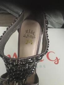 Miss kg heels