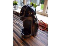 NESCAFE DOLCE GUSTO EDG200B COFFEE POD MAKER MACHINE